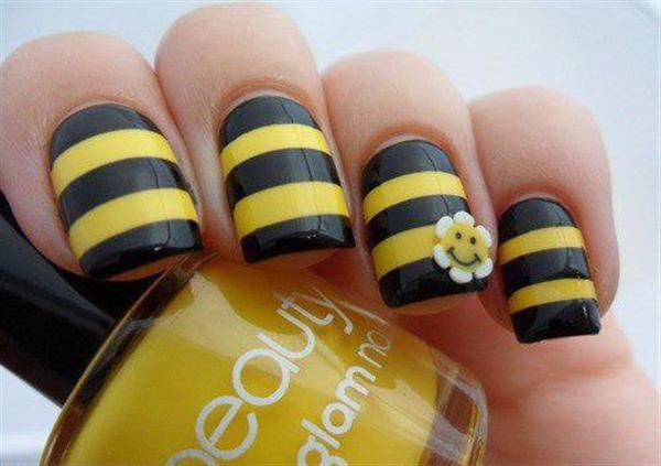 маникюр пчеличка
